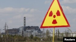 The sarcophagus covering the damaged fourth reactor at the Chornobyl nuclear power plant (file photo)