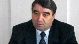 По мнению представителей различных политических партий, отставка Бориса Чочиева не стала неожиданностью. Политик, снискавший репутацию серого кардинала, давно стал предметом критики для одних и образцом подражания для других