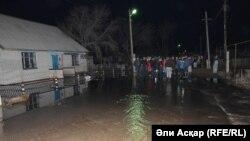 Паводки в селе Садовое Актюбинской области. 18 апреля 2017 года.