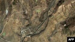 سکوی پرتاب موشک موسودان- ری در ساحل شمالشرقی کرهشمالی، ۹ فروردين ۱۳۸۸