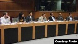 مشاركون في إجتماع البرلمان الأوروبي