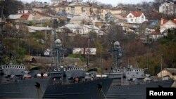 Севастополь портындағы ресейлік әскери кемелер. (Көрнекі сурет)