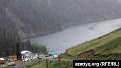 """Национальный парк """"Кольсайские озера"""". Алматинская область, 9 июня 2012 года."""