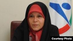 فائزه هاشمی، فرزند هاشمی رفسنجانی، رییس مجمع تشخیص مصلحت نظام.