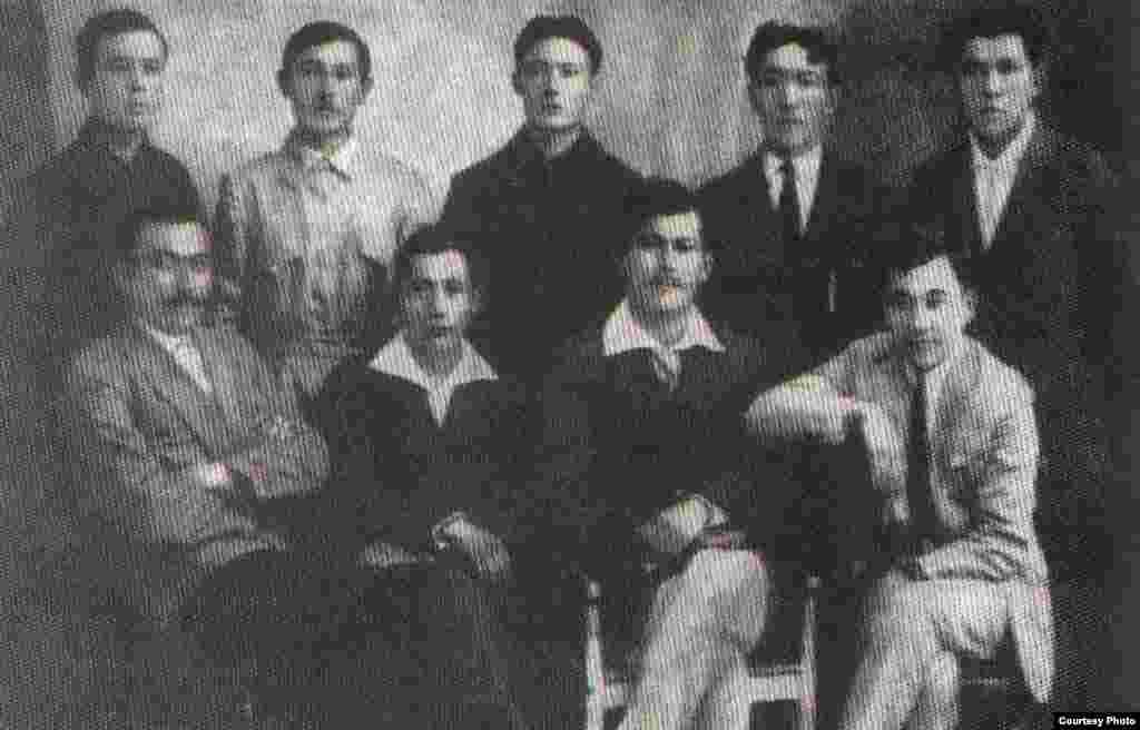 Германияда оқып жүрген қазақ жастары. 1921 жыл.