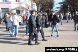Пратэстоўцы пад кантролем міліцыі