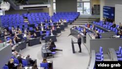 Reacții în Parlamentul de la Berlin pe tema Tratatului INF