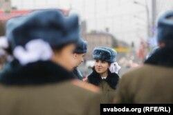 Школьная ганаровая варта на плошчы Перамогі ў Менску