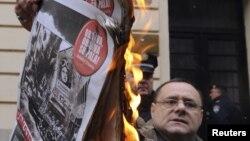 """Peticija na internetu kojom se traži obustavljanje financiranja tjednika srpske manjine """"Novosti"""" prikupila je gotovo 11.000 potpisa"""