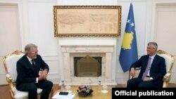 Presidenti, Hashim Thaçi në takim shefin e ri të EULEX-it, Bernd Thran