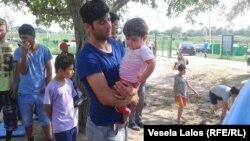 Oko milion migranata koji žive van kampova dobiće platne kartice