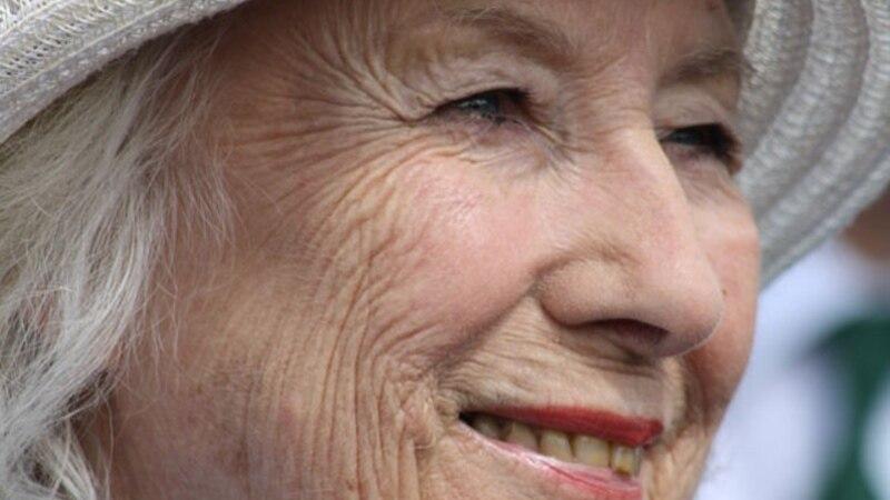 Британская певица Второй мировой войны Вера Линн отметила 100 лет