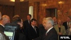 Парламент рәисе Фәрит Мөхәммәтшин Русия ватандашларының шурасы вәкилләре белән таныша