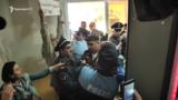 Инцидент между гражданским активистом Вардгесом Гаспари и сторонниками второго президента Армении Роберта Кочаряна у здания суда, Ераван, 13 мая 2019 г.