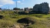 На місці царського саркофага – залишки Південного палацу царя Скілура зі стилізованою західною вежею