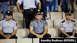 Stadionda polis.