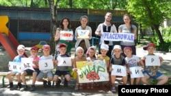 Акция Донецкого художественного музея в детском саду