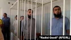 В суде над группой жителей Хатлонской области Таджикистана, обвиняемых в захвате власти. Курган-Тюбе, 16 мая 2016 года.