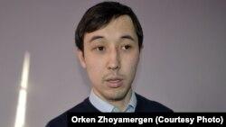 """Нұрбек Матжани, """"ВикиБілім"""" қоғамдық қорының үйлестірушісі. Астана, 7 желтоқсан 2012 жыл."""