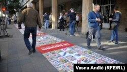 """Ćilim od lažnih vesti pred početak dijaloga, akcija inicijative """"Ne da(vi)mo Beograd"""""""