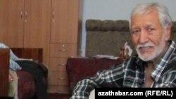Түркіменстандағы азаматтық белсенді Нұрберді Нұрмамед. Ашхабад, 2012 жыл.
