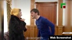 """Ислам Кадыров угрожает женщине. Фрагмент репортажа телеканала """"Грозный"""""""