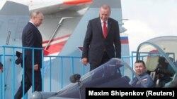 Putin și Erdogan la salonul aviatic MAKS-2019, din apropierea Moscovei, 27 august 2019
