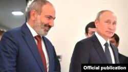 N.Paşinyan və V.Putin