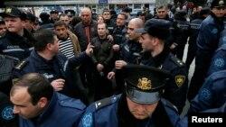 В оппозиции считает, что реформа МВД стала результатом давления общественности и западных партнеров Грузии