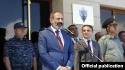 Премьер-министр Армении Никол Пашинян выступает на торжественном мероприятии, посвященном 26-летию формирования войск Полиции РА, Ереван, 21 июня 2018 г.