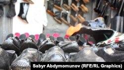 Чалгын кызматынын назарына илинген Шахабидин Балтабаев Кара-Суу базарында маасы сатат
