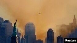 На месте катастрофы 12 сентября 2001