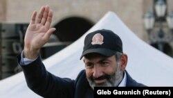 Liderul protestelor, Nikol Pașinian, la un miting la Erevan, 30 aprilie 2018