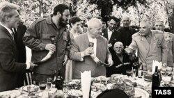 В Абхазии Фиделя Кастро всегда воспринимали как «нашего человека в Гаване»: с тех самых пор, когда в мае 1963 года он провел в ней несколько дней в ходе месячной поездки по Союзу