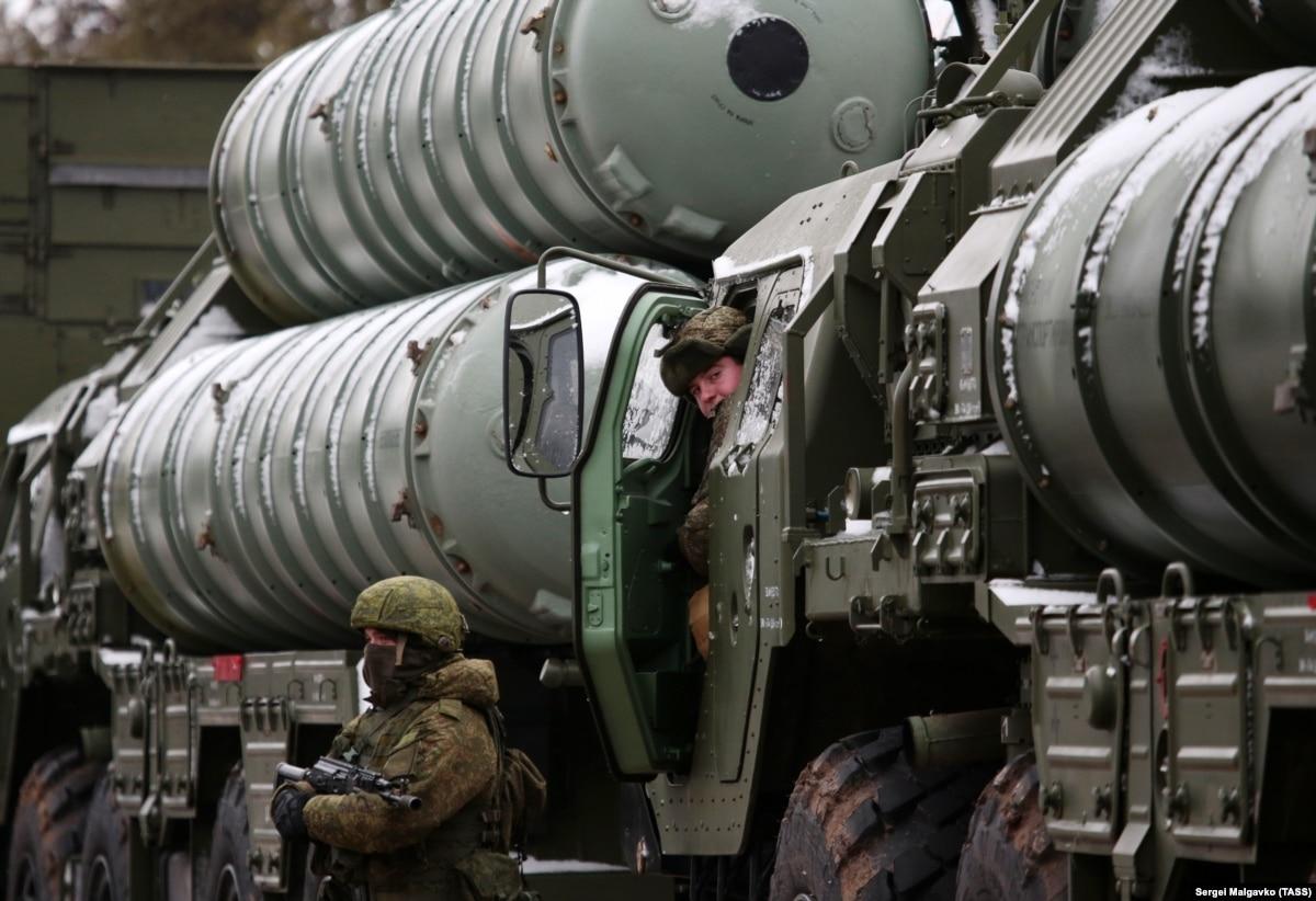 Турции грозят санкции США за размещение систем С-400