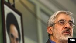 میرحسین موسوی اختلاف خود را با آیت الله خامنه ای در دوران نخست وزیری اش ناشی از مشکلات ساختار قدرت در ایران دانسته است