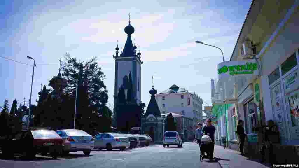 Церковь Всех крымских святых и Феодора Стратилата в районе старой крепости.