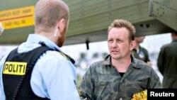 Даниялық өнертапқыш Питер Мадсен (оң жақта). 11 тамыз 2017 жыл