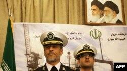 حبیب الله سیاری (چپ)