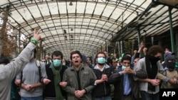 یکی از تجمع های اعتراضی در دانشگاه تهران در سال گذشته