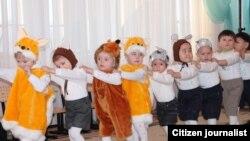 Дети на утреннике в детском саду. Иллюстративное фото.