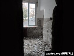 №46 мектеп-лицейінің бір кабинетінің қазіргі көрінісі. Шымкент, 24 қараша 2014 жыл.