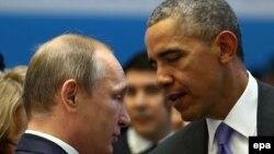 Президент США Барак Обама (справа) и президент России Владимир Путин. Анталья, 16 ноября 2015 года.