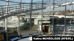 """Уже решено, что здание президентской резиденции в Тбилиси будет служить развитию образования. Осталось назвать учебное заведение, которое разместят в """"авлабарском дворце""""."""
