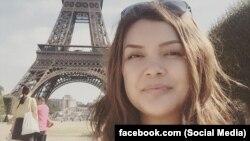 """Элнура Алканова. Сүрөт журналисттин """"Facebook"""" социалдык түйүнүндөгү баракчасынан алынды."""