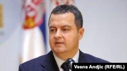 Српскиот министер за внатрешни работи Ивица Дачич