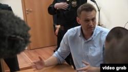 Время Свободы 13 июня: Летний месяц Навального