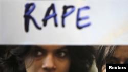 Protestat në mbështetje të grave në Indi