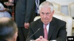 Держсекретар США Рекс Тіллерсон у Москві мав зустрічі не лише з главою МЗС Росії Сергієм Лавровим, а й з президентом Володимиром Путіним