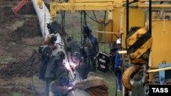 Атырау -Самара мұнай құбырында жөндеу жұмыстары жүргізіліп жатыр, мамыр, 2007жыл.